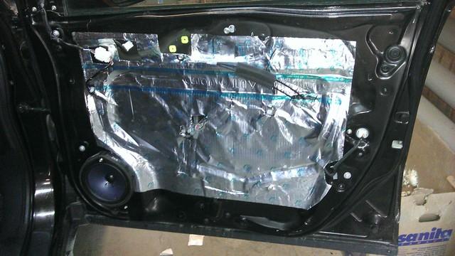 Шумоизоляция дверей автомобиля Honda c-rv