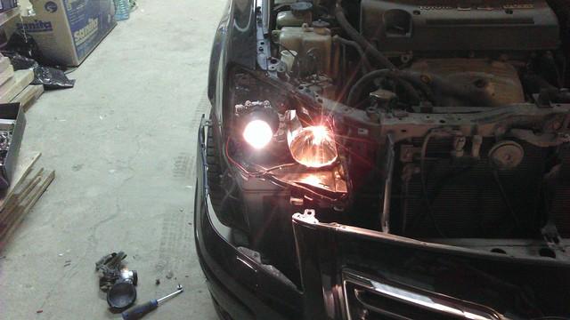 Решение проблемы с ближним светом на автомобиле toyota avensis.